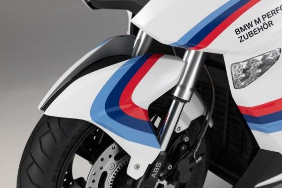 Vous bricolez quoi en ce moment? - Page 17 Scooter-bmw-c600-motorsport-edition-07-560x373