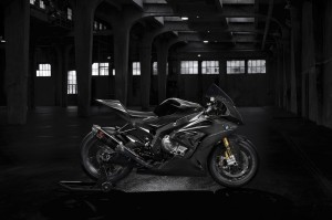 BMW HP4 RACE - medium