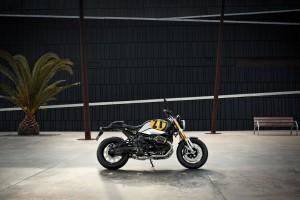 BMW Motorrad Spezial - medium